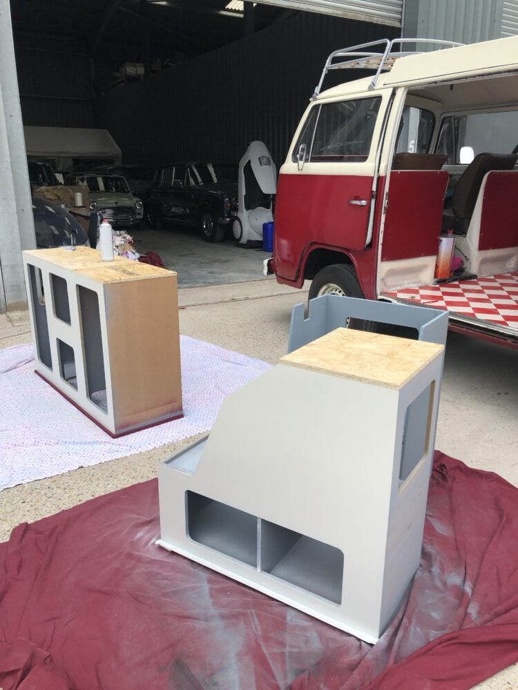 VW T2 painting the cupboards and adding a floor.