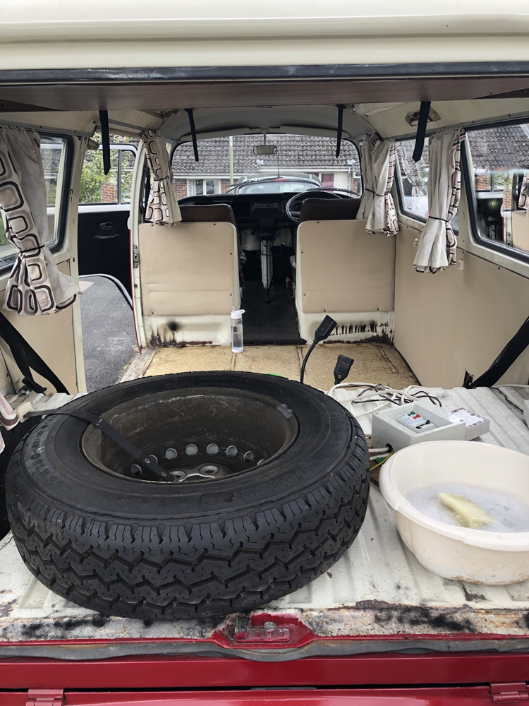 VW T2 Camper inside Cleaning