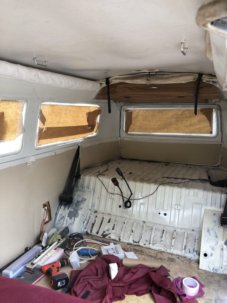 VW T2 Painting MIDDLE half inside
