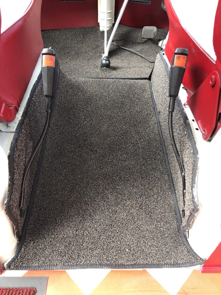 VW T2 Camper carpets between seats