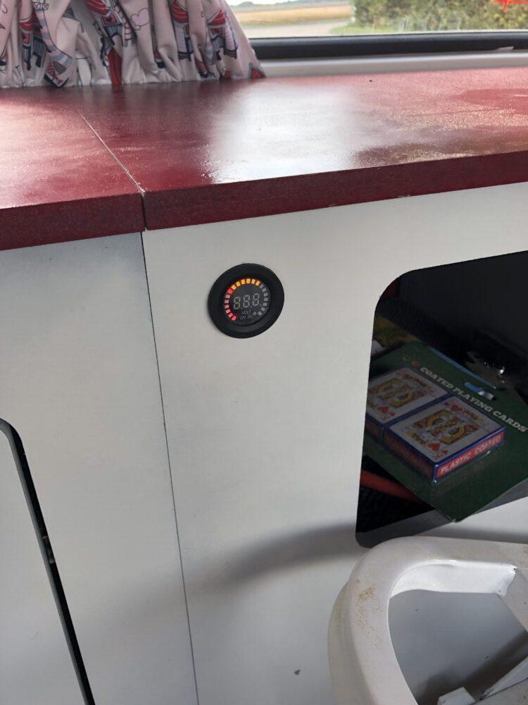 VW T2 camper leisure battery volt gauge